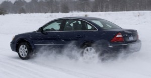 Journalists Test Ford Five Hundred Through Snow